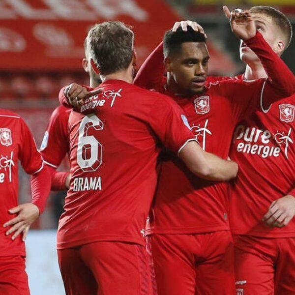 PSV en FC Twente aan elkaar gewaagd: 1-1