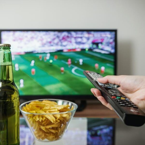 'Voetbalwedstrijd op zondagavond is wisselgeld voor Fox voor coronacrisis'