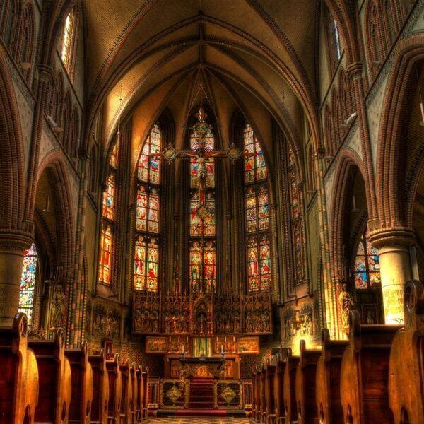 Wat moeten we met alle leegstaande kerken?