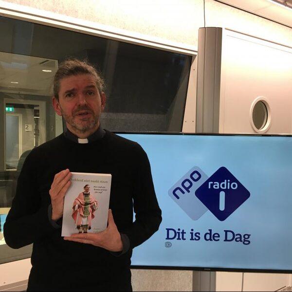 'Homoseksualiteit in de katholieke kerk is een enorme roze olifant'