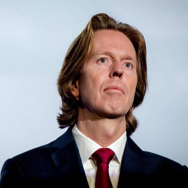Directeur Eredivisie CV zou 'juichen' van mondkapjesplicht in stadions