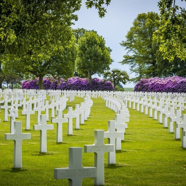 Herdenking Amerikaanse WOII-soldaten op oorlogsbegraafplaats Margraten