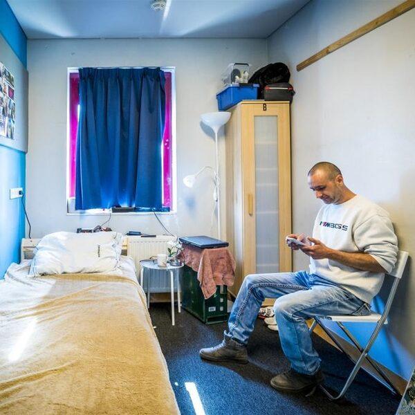 Plannen voor daklozenwoningen belanden te vaak in ijskast