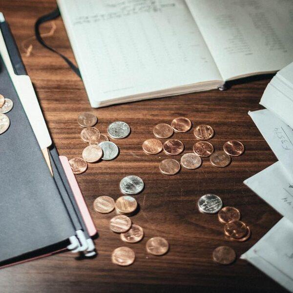 Het schulden-pamflet: de schuldhulpverlening is een soort doolhof