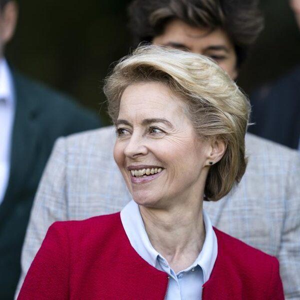 Laat Von der Leyen Polen en Hongarije wegkomen met de afbraak van de rechtstaat?