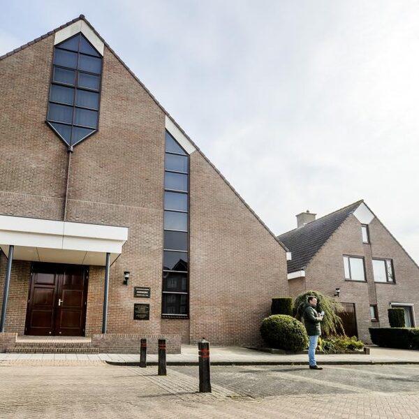 Sionkerk Urk laat coronamaatregelen los: 'Niet in lijn met afspraken'