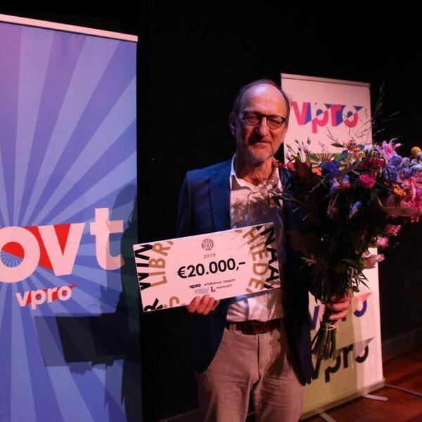 Dichter in de jungle wint Libris Geschiedenis Prijs