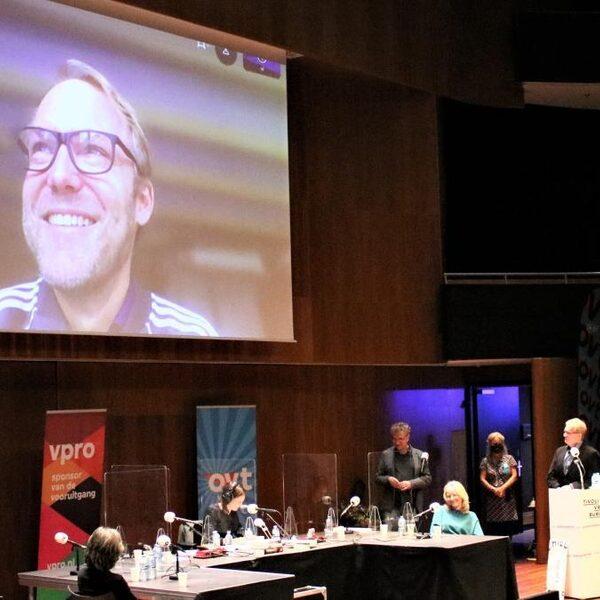 Pieter van Os wint met 'Liever dier dan mens' Libris Geschiedenis Prijs 2020