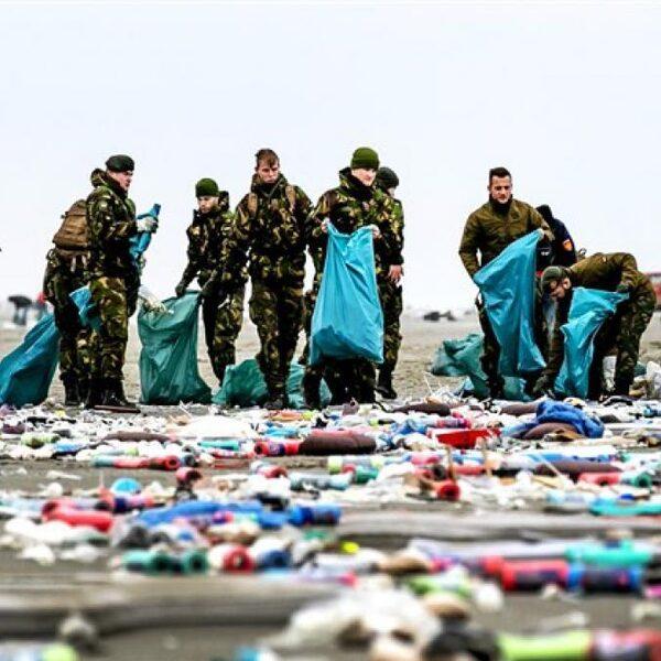 Podcast De Dag: Hoe gevaarlijk is de  'container-snelweg' boven de Wadden?