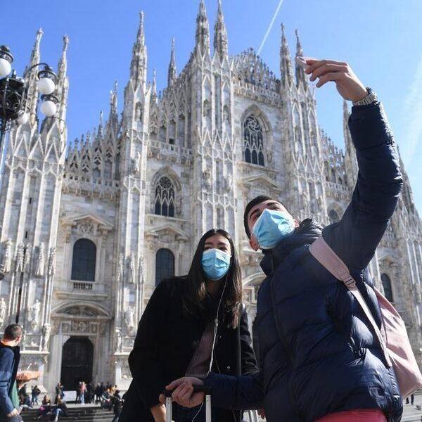 Mondkapjes en zeep voor vrachtwagenchauffeurs die naar Italië rijden