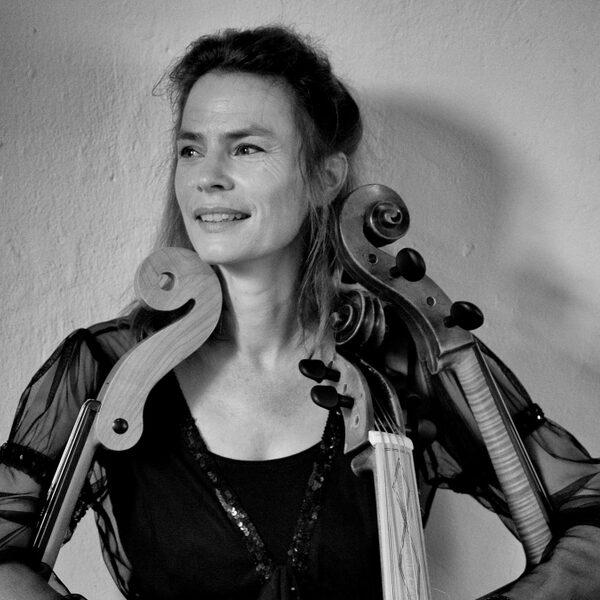 Sanne de Graaf is verslaafd aan haar eeuwenoude cello: 'Het wordt onderdeel van je lijf'