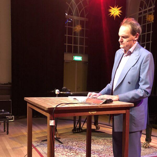 De oudejaarsconference van Vincent Bijlo op NPO Radio 1