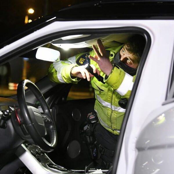 Politie: 'Maak inbouwen verborgen ruimtes in auto's strafbaar'
