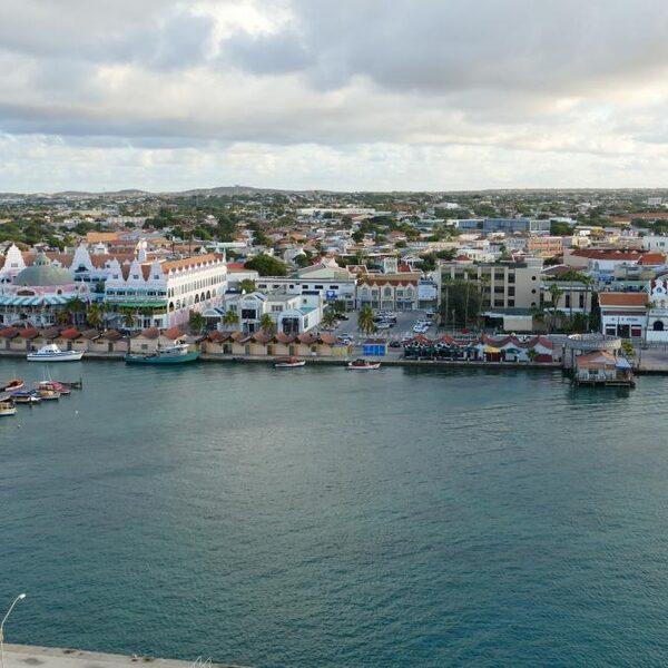 Aruba beperkt journalisten in coronacrisis: 'Geen vitaal beroep'