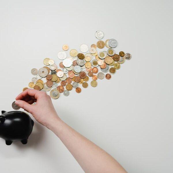 'We sparen te veel geld'