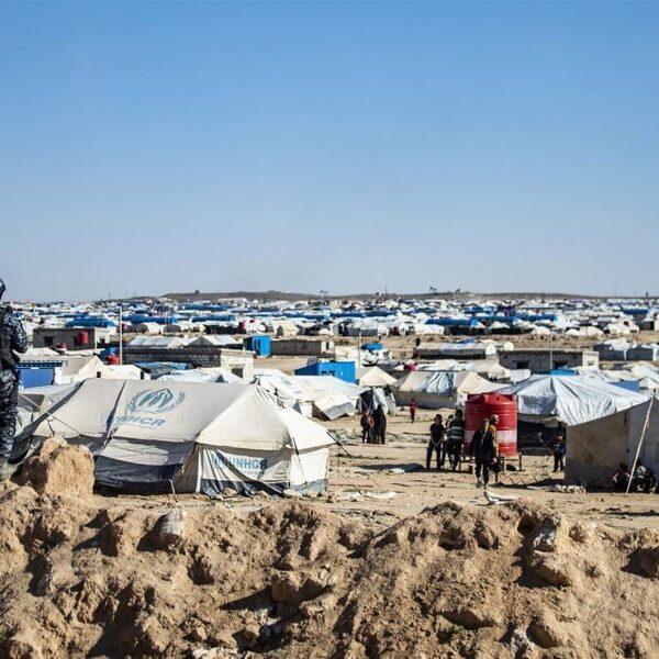 Guido werkt voor het Rode Kruis in kamp Al-Hol: 'Er is letterlijk een tekort aan alles'