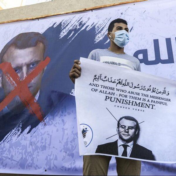 Macron raakt de verkeerde snaar bij Islamitische gemeenschap Frankrijk