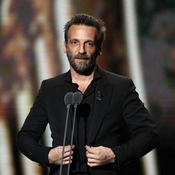 Filmregisseur Mathieu Kassovitz verdient door krachtige film 'La Haine' een standbeeld