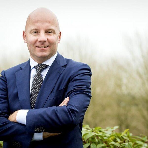 Vakbond De Unie na voorwaarden aan steun KLM: 'Blijf van salarissen af'
