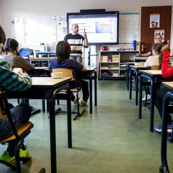 Zorgen bij scholen over testbeleid leraren: 'Dit moet echt anders'