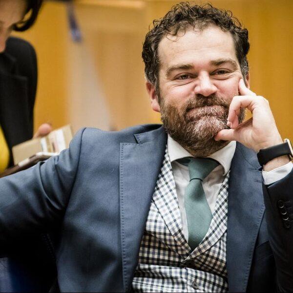 'Klaas Dijkhoff moet zijn wachtgeld gewoon lekker houden'