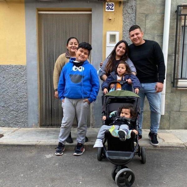 Dit gezin redde een prachtig Spaans dorpje