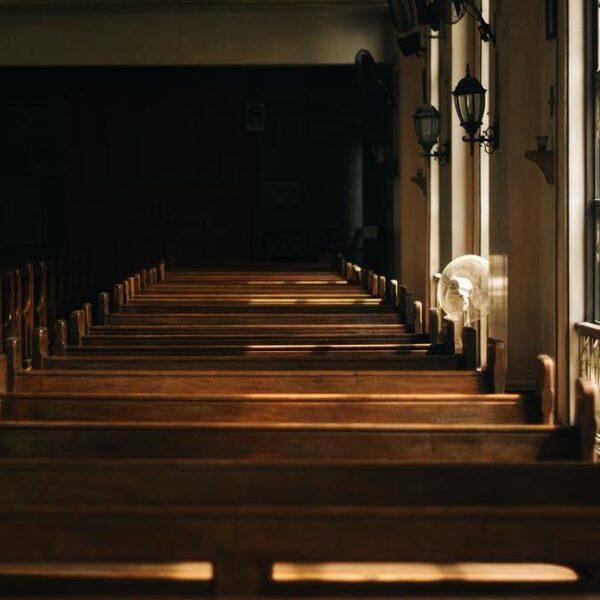 Ex-bestuurder 'Noorse Broeders' moet 8 miljoen terugbetalen: 'Het is langzaam een sekte geworden'