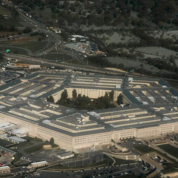 Pentagon geeft beelden ufo's officieel vrij, nog altijd 'ongeïdentificeerd'