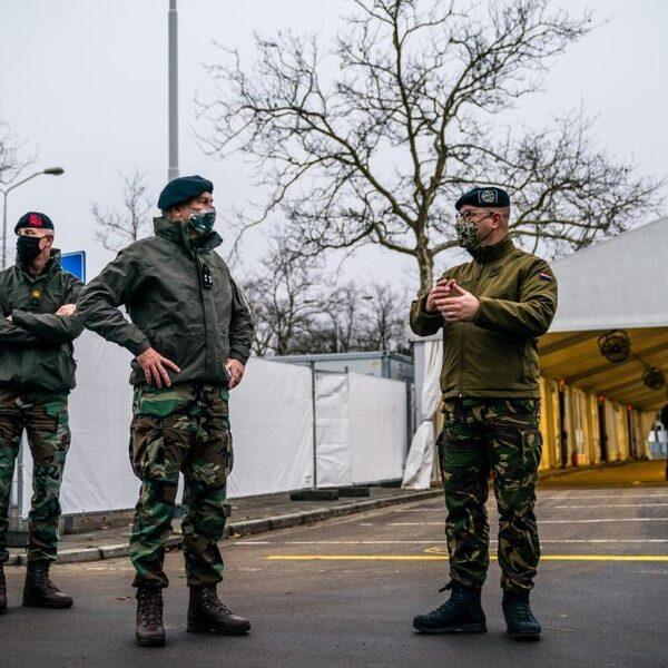 Stand.nl: 'Het kabinet moet onmiddellijk militaire hulp toezeggen aan verpleeg- en verzorgingshuizen'