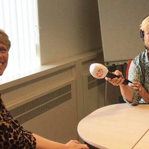 Podcast Opvliegers: Elles de Bruin volgt de overgang in de hoop het taboe te doorbreken
