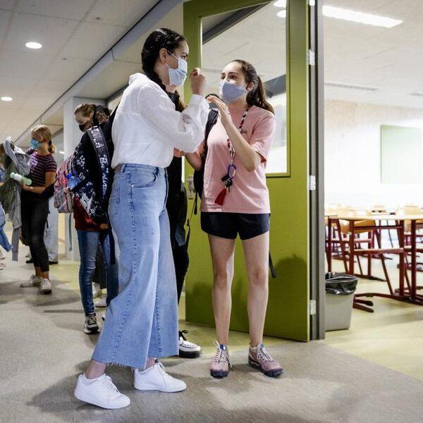 RIVM volgt richtlijnen Bouwbesluit om ventilatiebeleid op scholen te bepalen, maar daar was het besluit 'nooit voor bedoeld'