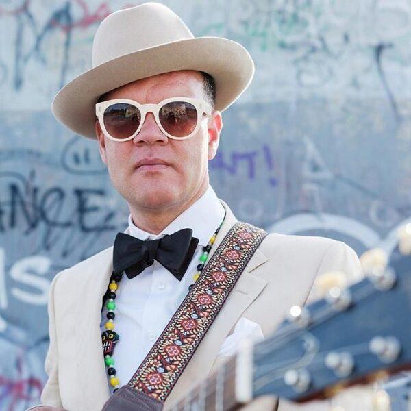 DJ Blue Flamingo reisde de wereld rond: 'Eindeloze research naar muziek'