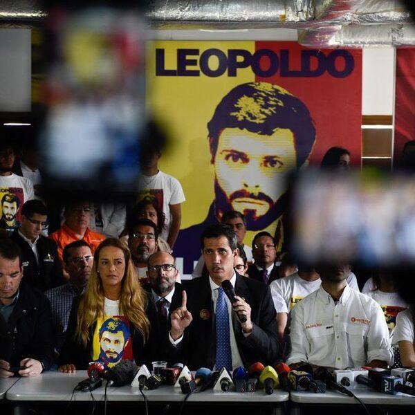 Vluchten voor Maduro doe je via Aruba