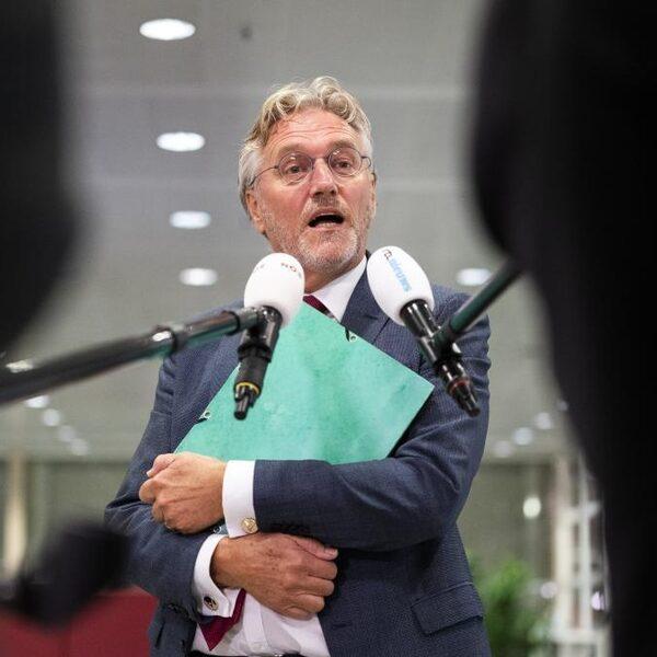 Burgemeester Jorritsma van Eindhoven: 'Nog deze week marsorder kabinet voor mondkapjes nodig'