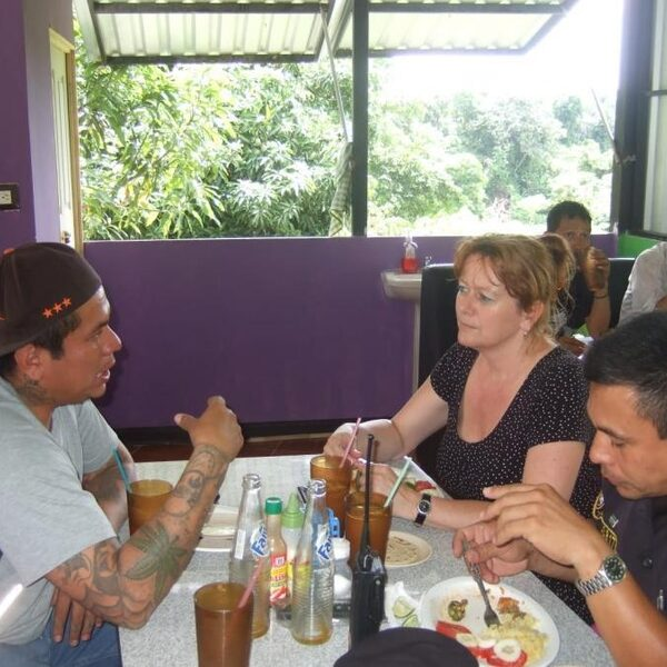 Aan tafel met beruchte bendeleden in El Salvador