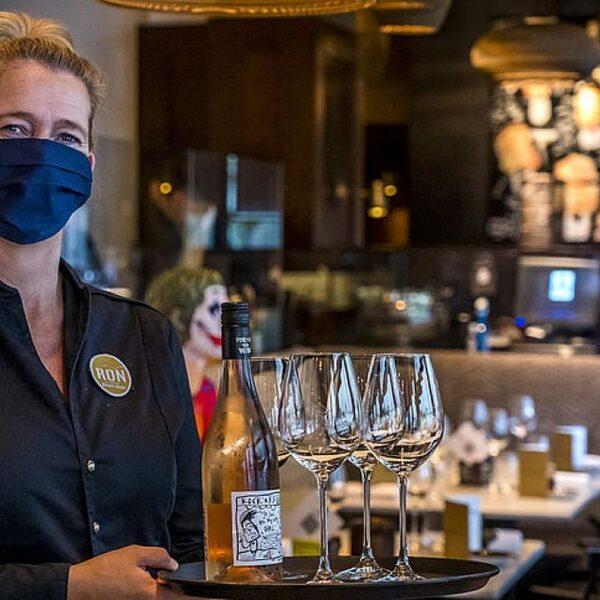 Hans Biesheuvel (Ondernemend Nederland) over mondkapjes: 'Dit kun je niet bij de winkeliers neerleggen!'