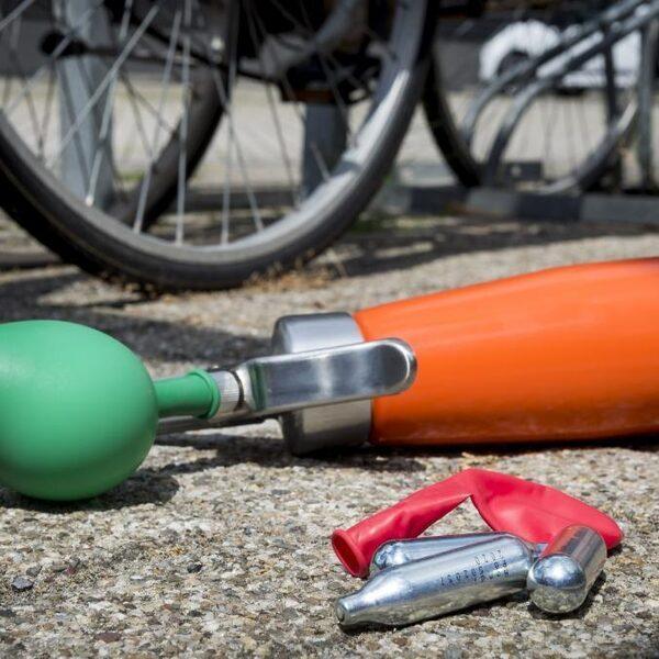 Politieagent: 'Tegen een auto vol lachgas-gebruikers kunnen we nu niets'