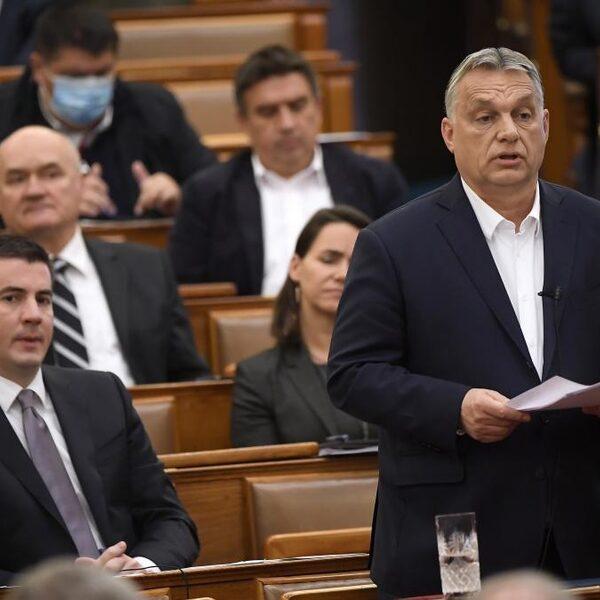 Hongarije neemt noodwet aan: premier regeert zonder parlement