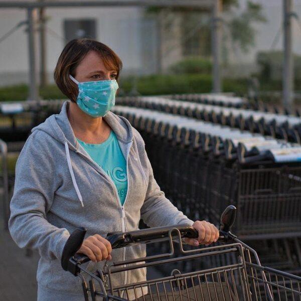 'Belast winkeliers niet met mondkapjesbesluit: verplicht ze gewoon'