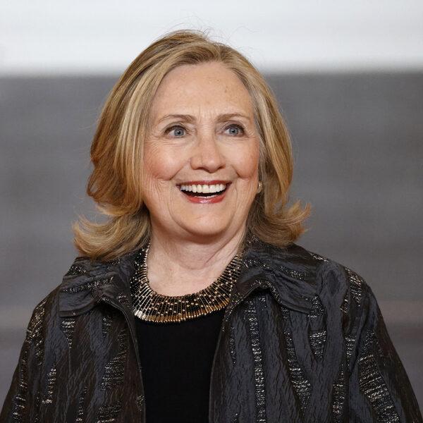 Het eerste fictieboek van Hillary Clinton: een 'spannende' politieke thriller