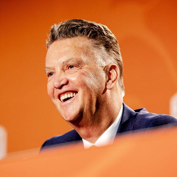 Louis van Gaal nieuwe bondscoach van Nederland: 'Wie zou het anders moeten doen, aldus Van Gaal'
