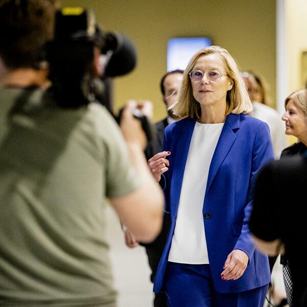 Kaag vertrekt uit kabinet: 'Het is ander leiderschap dan we gewend zijn in Den Haag'