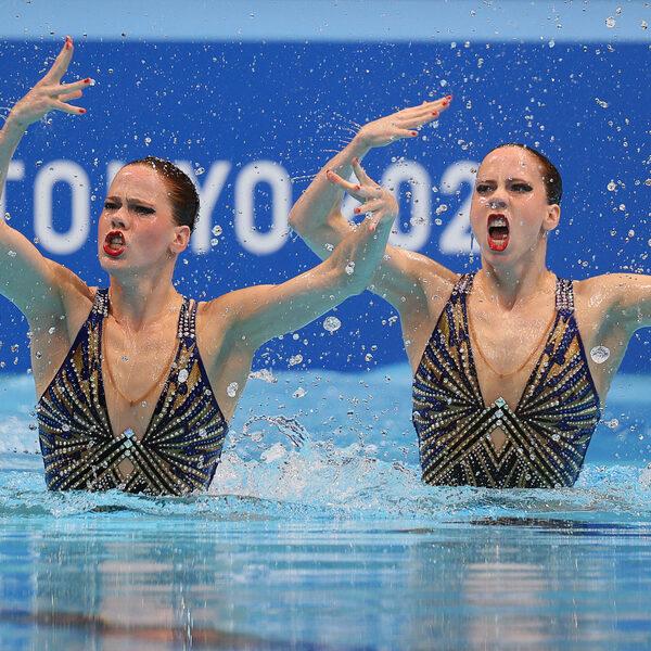 Noortje en Bregje de Brouwer: 'Bij synchroonzwemmen moet je ook kunnen acteren'
