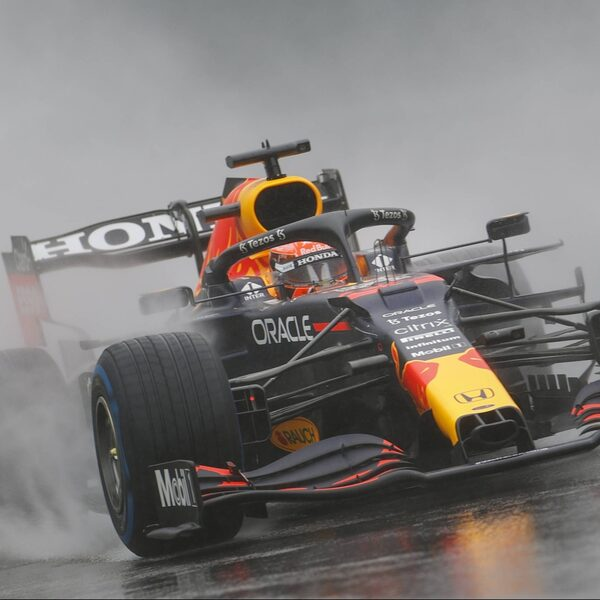 GP van België beperkt tot drie ronden achter safetycar, Verstappen wint