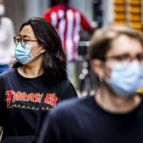 Is stoppen met mondkapjes wel verstandig? 'Er is een gevaar dat we iets te snel zijn'