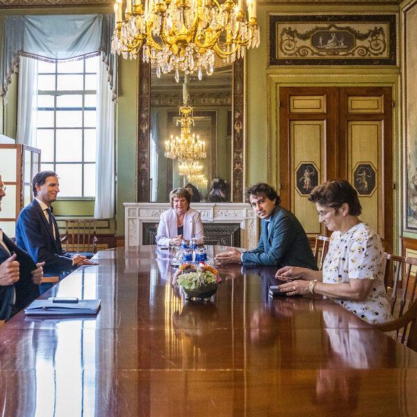 De formatie en de stoelendans van het demissionaire kabinet: 'Prioriteiten liggen verkeerd'
