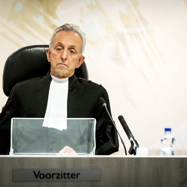 Rechter Frank Wieland (71) ging verplicht met pensioen, belandde op IC, maar behandelt nu weer zaken om corona-achterstand weg te werken