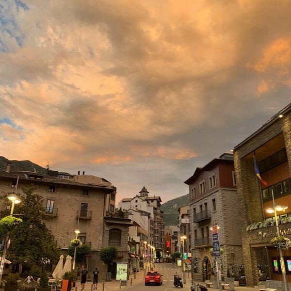 Tour-column #17: Wielerparadijs Andorra kleurt nog niet echt geel
