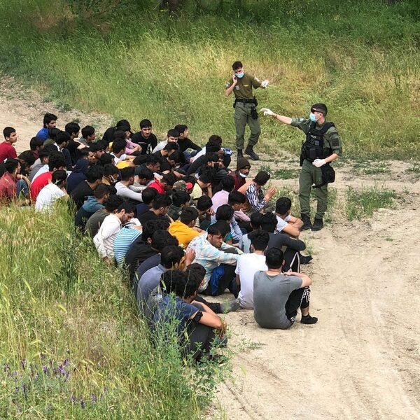 Illegale praktijken bij de Griekse muur? 'Sommige migranten zijn spoorloos verdwenen'
