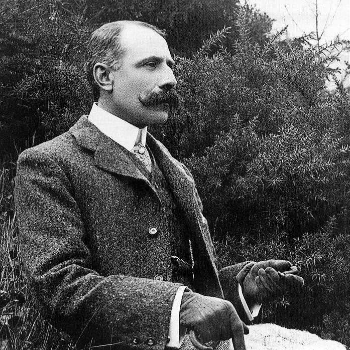 Edward elgar begin 1900 wikimedia commons